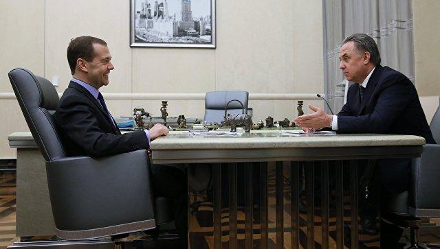«Необходимо качественно подготовиться кКК-2017 иЧМ-2018»— Д. Медведев