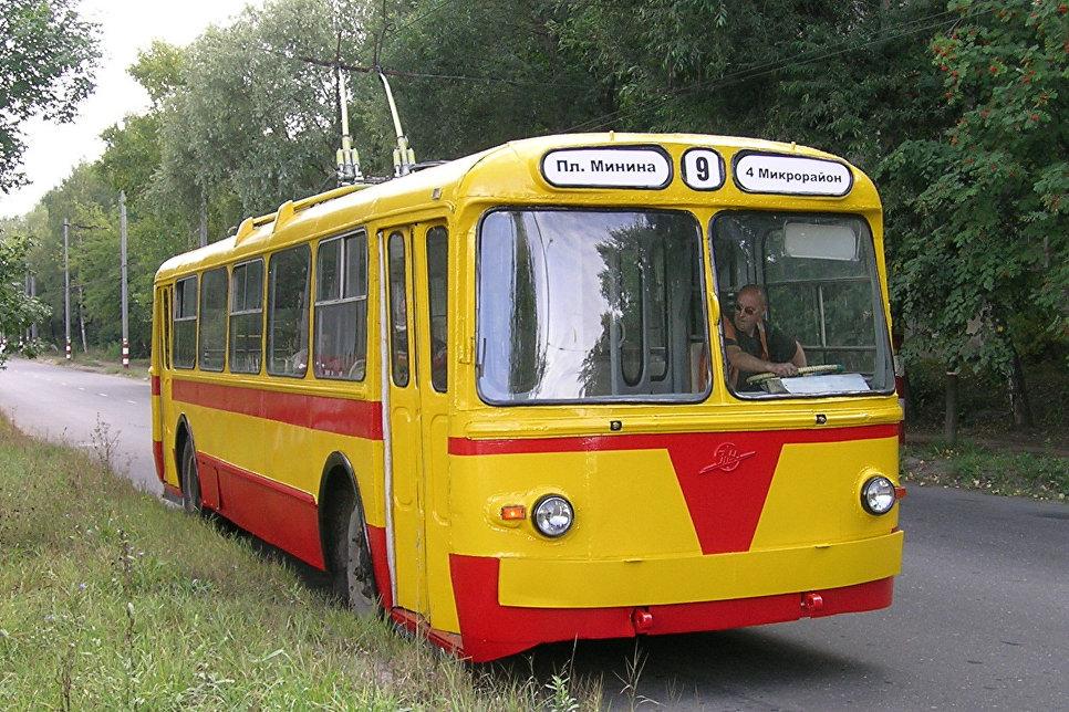 Музейный троллейбус ЗиУ-5Д в Нижнем Новгороде