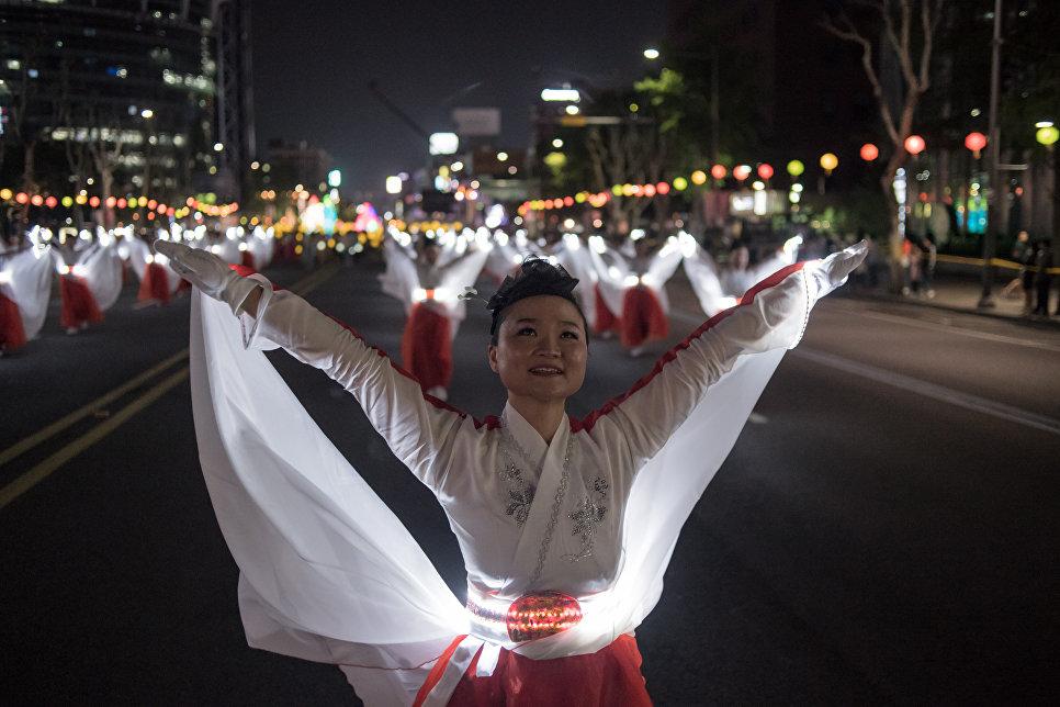 Парад фонарей в Сеуле
