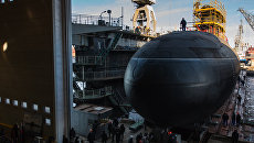 Спуск на воду подводной лодки Великий Новгород проекта 636 для Черноморского флота ВМФ России на АО Адмиралтейские верфи в Санкт-Петербурге. Архивное фото