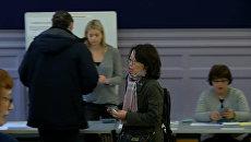 Первые избиратели проголосовали во втором туре выборов президента Франции