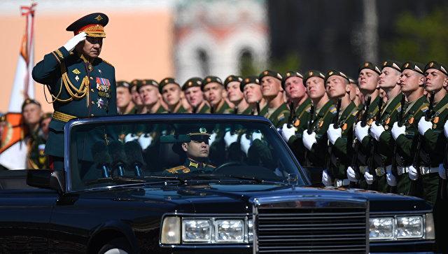 Сергей Шойгу поздравил военнослужащих РФ сДнем победы