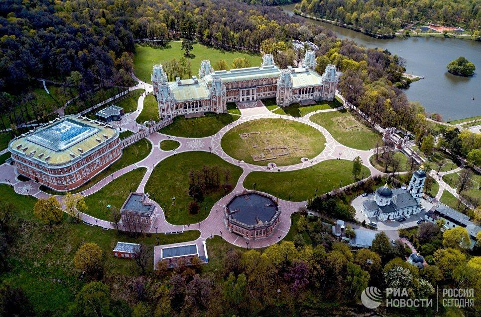 Дворцово-парковый ансамбль музея-заповедника Царицыно