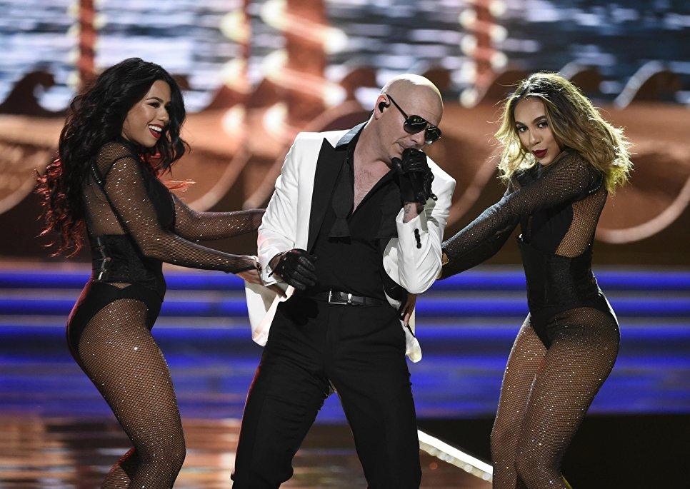 Выступление рэпера Pitbull во время конкурса Мисс США в Лас-Вегасе