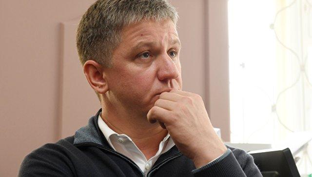 Бывший председатель правления компании РусГидро Евгений Дод в здании Басманного суда. Архивное фото