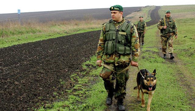 Пограничники на участке украино-российской границы. Архивное фото