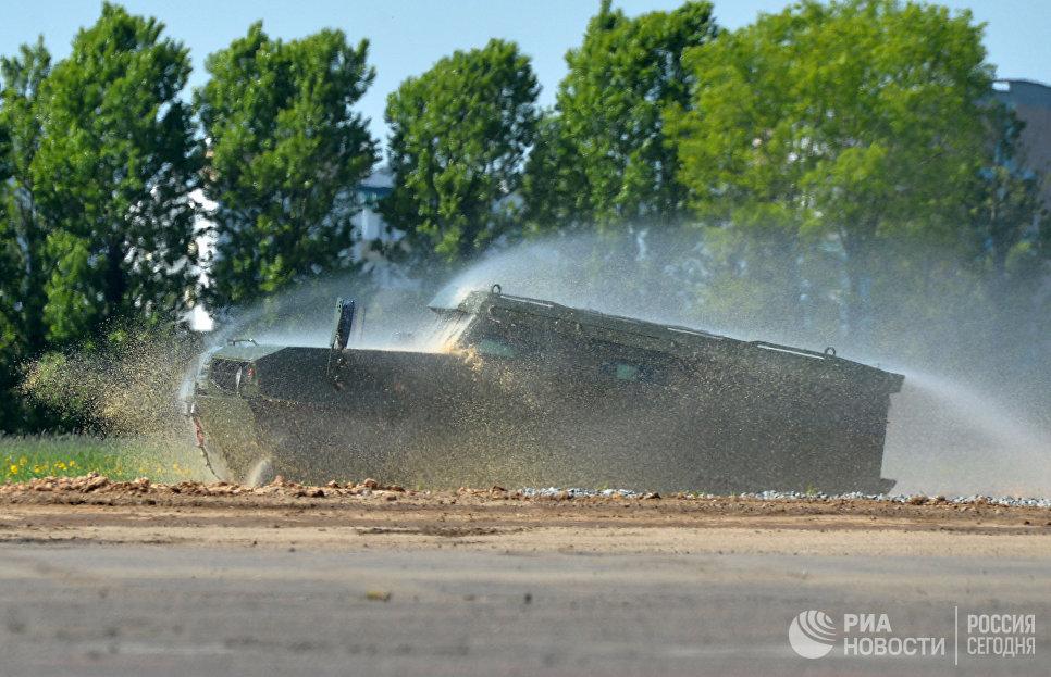 Бронеавтомобиль Volat V1 МЗКТ-490100 белорусского производства на 8-й Международной выставке вооружения и военной техники Milex-2017 в Минске