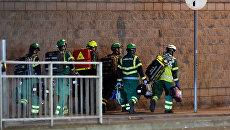 Медики и спасатели возле Манчестер-Арены, где прогремели взрывы