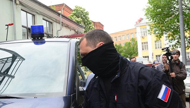 """В Кремле призвали не политизировать обыски в """"Гоголь-центре"""""""