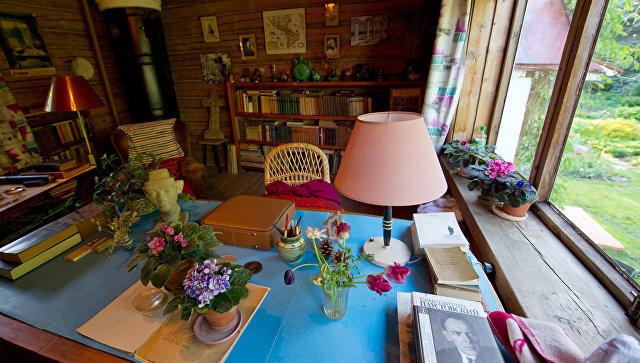 Кабинет К.Г. Паустовского в доме-музее писателя в Тарусе. Архивное фото