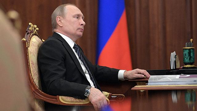Путин дал ряд поручений по работе многофункциональных центров