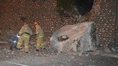 Последствия камнепада на трассе Севастополь-Ялта