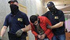 Обвиняемый в подготовке терактов в Москве Давудов в Мещанском суде. 26 мая 2017