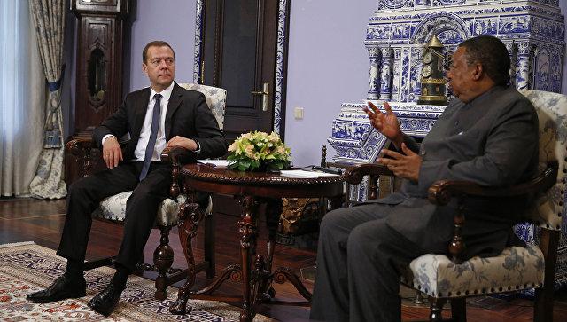 Медведев: Российская Федерация довольна принятыми решениями ОПЕК
