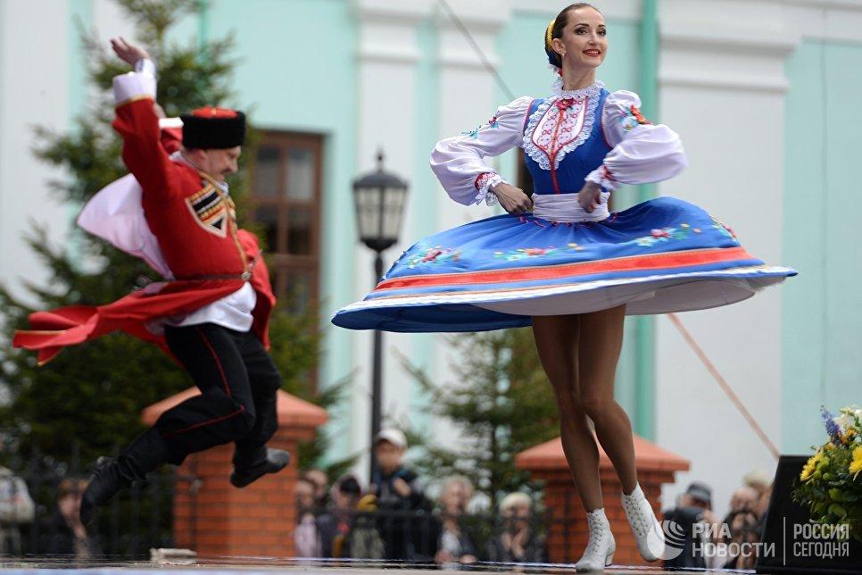 Участники фестиваля русского фольклора Каравон в селе Русское Никольское в Лаишевском районе Татарстана