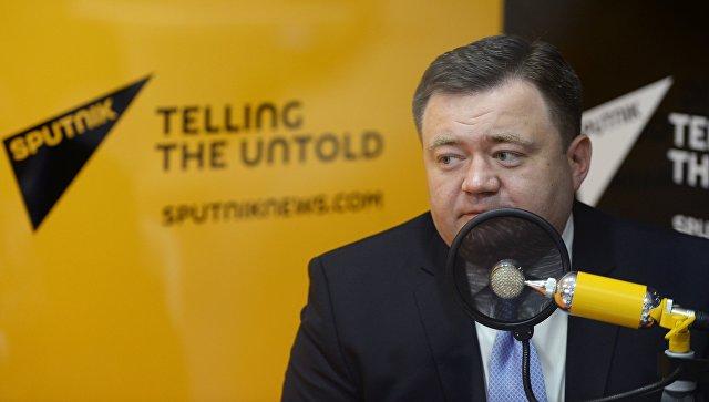 Генеральный директор АО Российский экспортный центр Петр Фрадков во время интервью радио Sputnik на Санкт-Петербургском международном экономическом форуме 2017