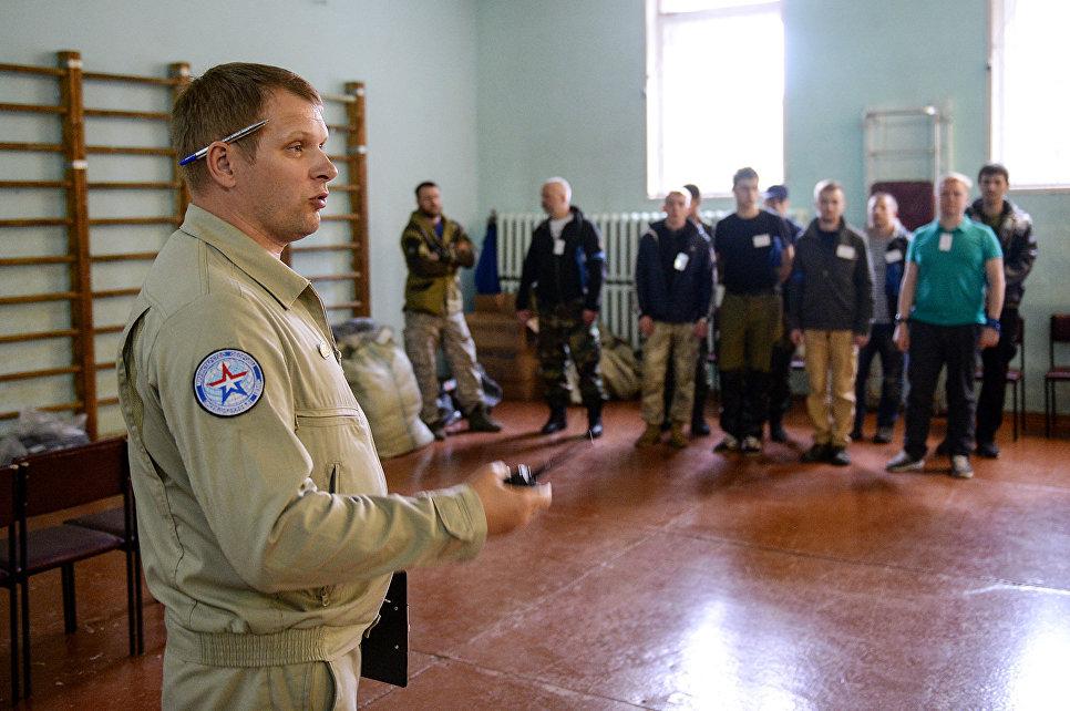 В ходе подготовки к экспедиции волонтёров научили оказывать первую помощь