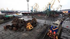Мурманский торговый грузовой порт. Архивное фото