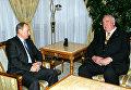 Президент России Владимир Путин во время встречи с экс-канцлером Германии Гельмутом Колем