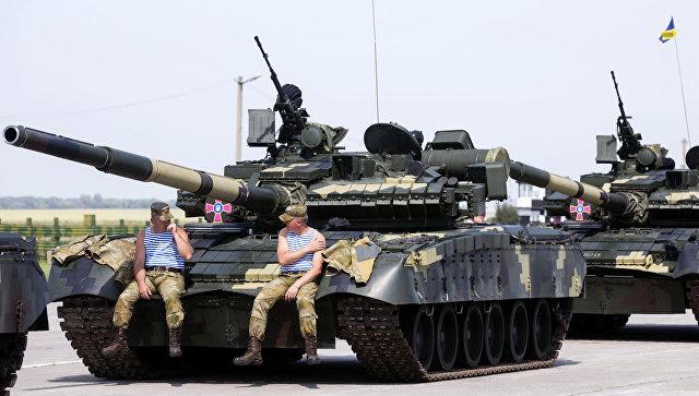 Украинская военная техника на аэродроме в Чугуево Харьковской области