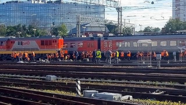 Столкновение поезда Стриж с электричкой возле Курского вокзала