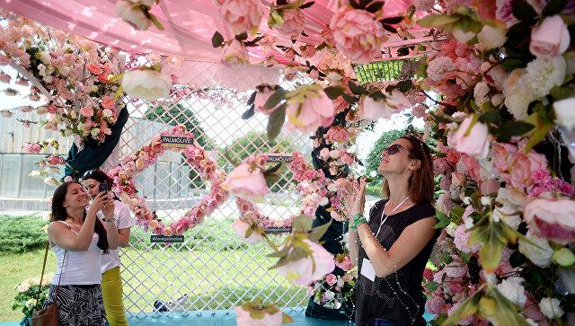 На открытии V Московского международного фестиваля садов и цветов Moscow Flower Show в парке Музеон в 2016г. Архивное фото