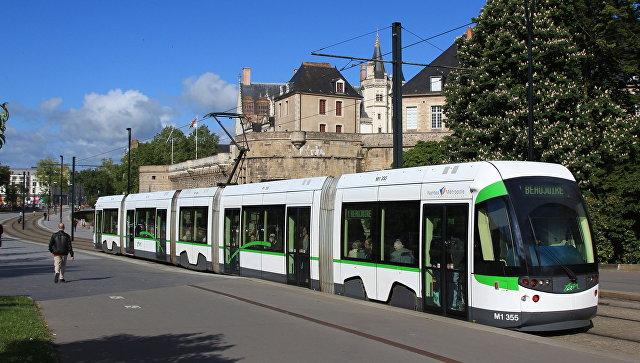 Трамвай в Нанте Франция. Архивное