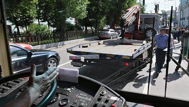 Петербуржец наэвакуаторе похищал машины исдавал вметаллолом