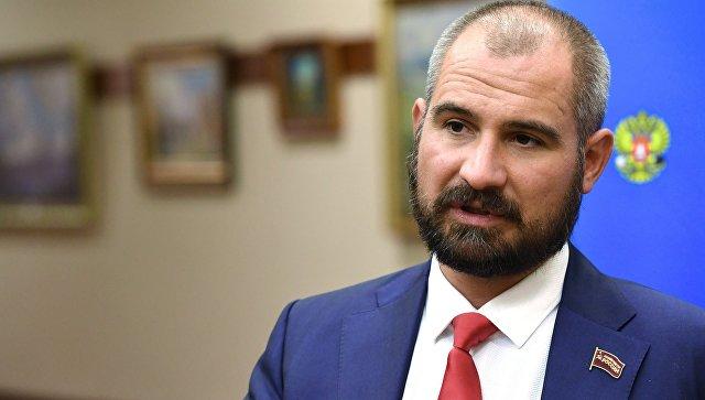 Лидер Коммунистов России Максим Сурайкин. Архивное фото