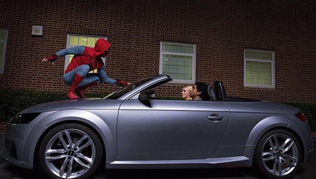 Человек-паук на Audi A8