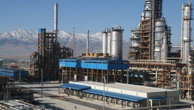 США не смогут значительно сократить экспорт нефти из Ирана, заявил Зариф