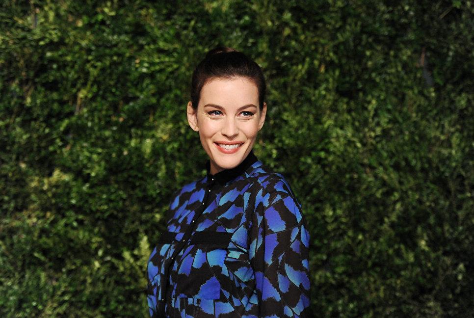 Американская актриса Лив Тайлер на церемонии вручения наград CFDA/ Vogue Fashion Fund Awards в Нью-Йорке. 2012