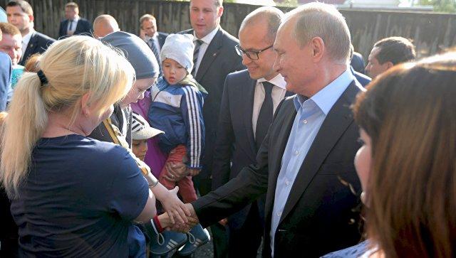 Путин поручил расселить аварийные бараки вУдмуртии