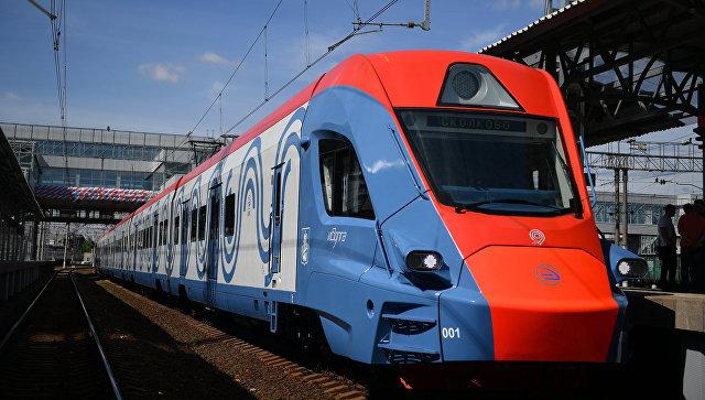 Презентация нового поезда Иволга на обновленной станции Солнечная в Московской области