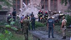 Кадры с места обрушения здания торгового университета  в Донецке