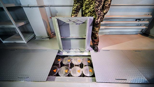 Контейнеры с радиоактивными отходами. Архивное фото