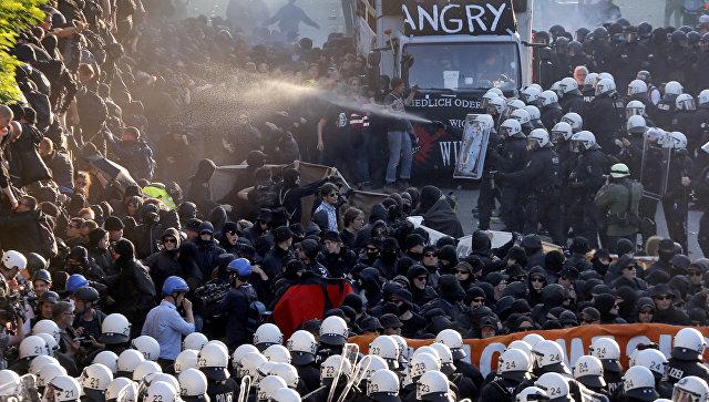 Попытка организовать столкновения с полицией в Гамбурге