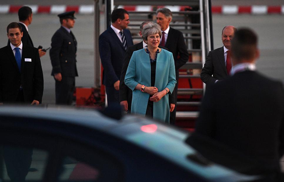 Премьер-министр Великобритании Тереза Мэй в аэропорту Гамбурга