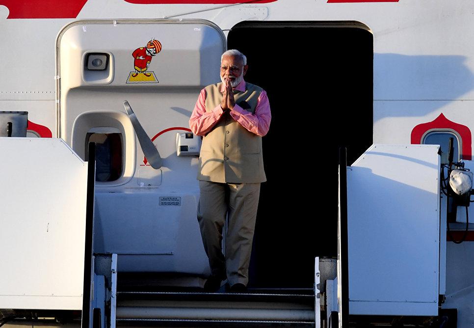 Премьер-министр Индии Нарендра Моди в аэропорту Гамбурга