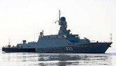 Малый ракетный корабль Великий Устюг во время учений в Каспийском море. Архив