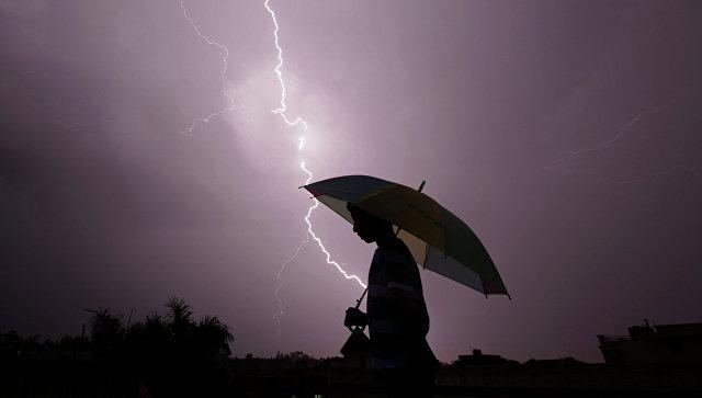 На севере Индии от ударов молнии погибли около 20 человек