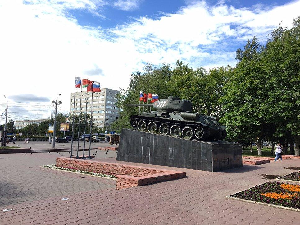 Танк Т-34 в Могилевском сквере Тулы