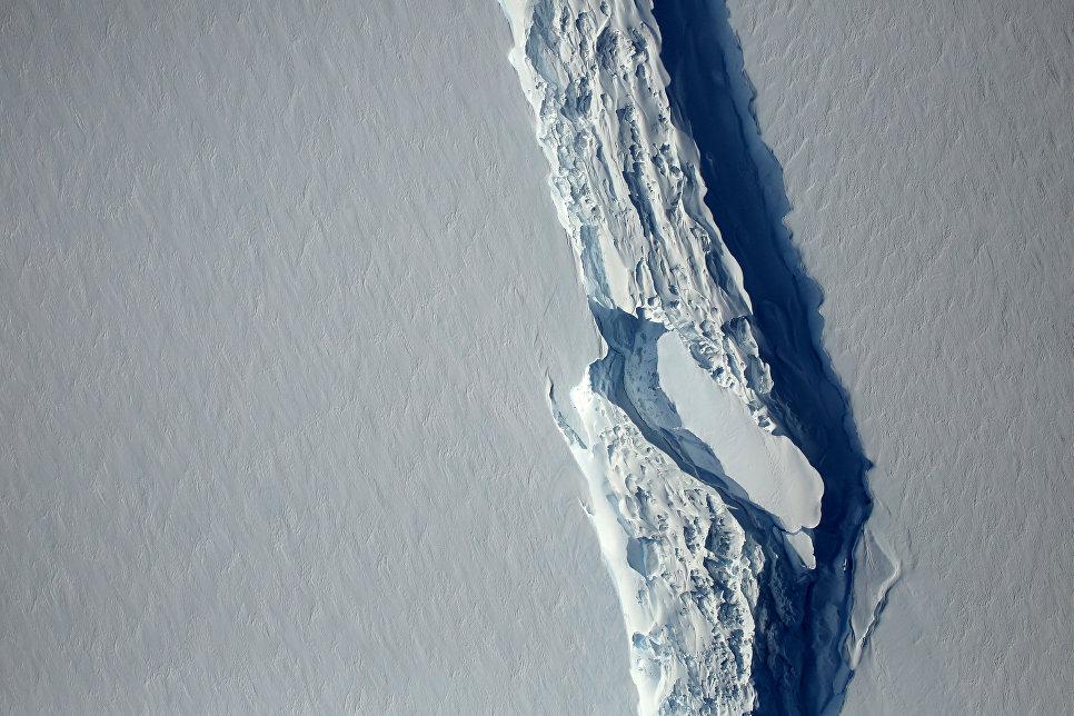 Раскол ледника Ларсен С в Антарктиде