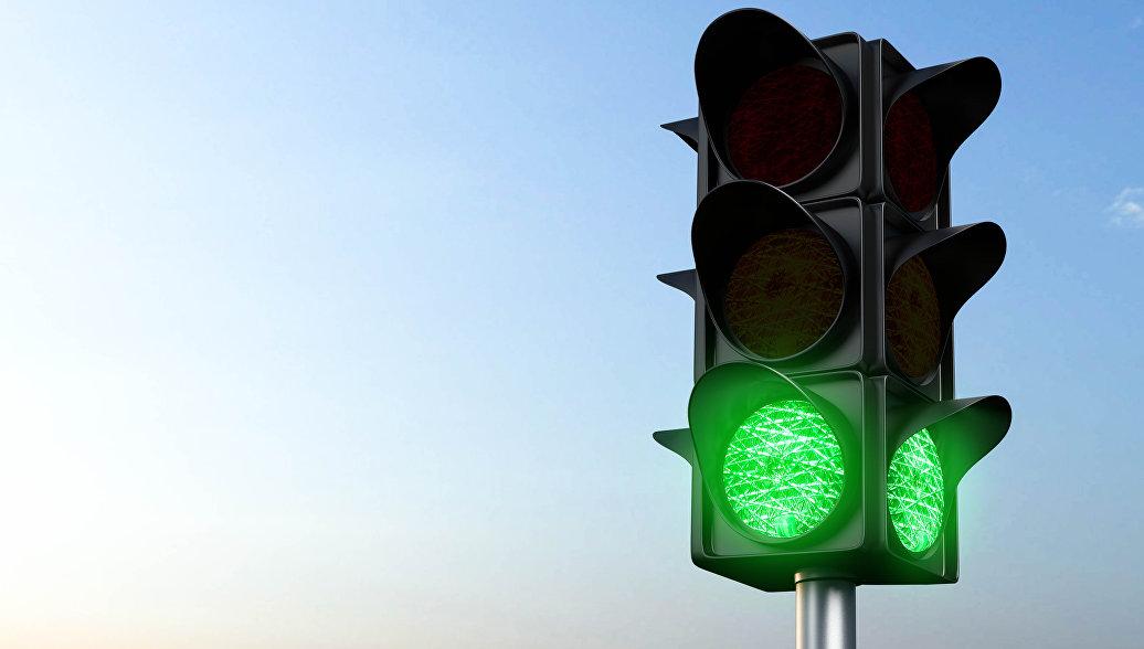 большая светофор с горящим зеленым светом картинка устройства использовались