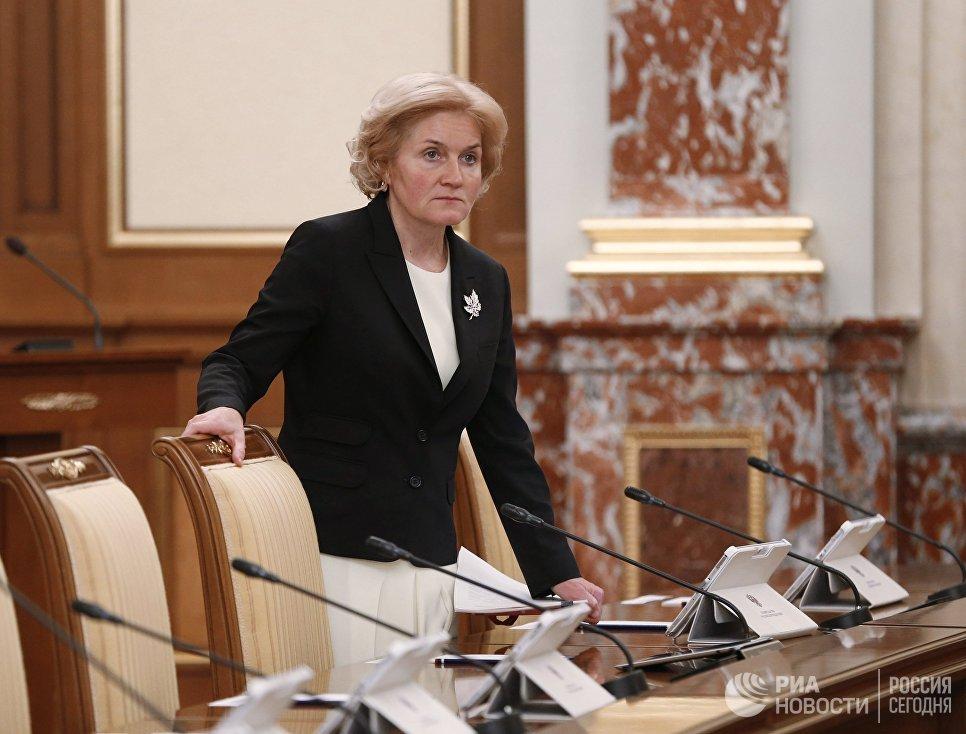 Заместитель председателя правительства РФ Ольга Голодец перед началом заседания правительства РФ
