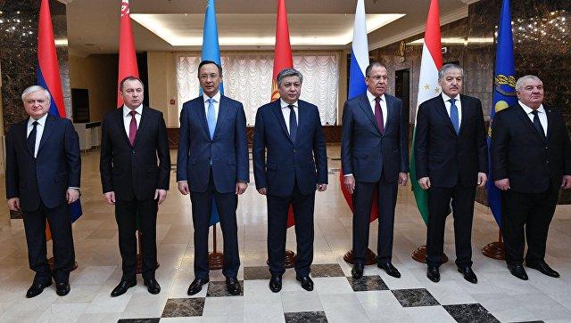 Участники заседания совета министров иностранных дел ОДКБ в Минске. 17 июля 2017