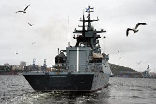 Новый корвет проекта 20380 Совершенный в акватории Владивостока. 18 июля 2017