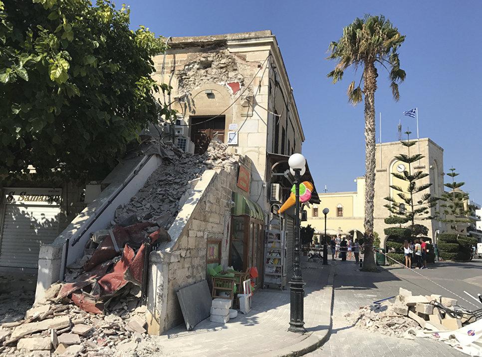 Разрушенная землетрясением мечеть на острове Кос, Греция. 21 июля 2017