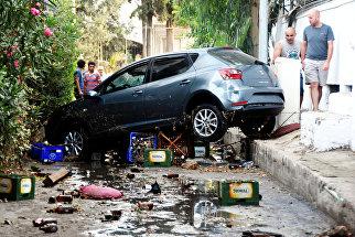 Последствия землетрясения и цунами в курортном городе Гюмбет, Турция. 21 июля 2017