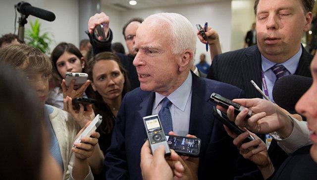 Маккейн: Трамп затягивает реализацию санкций против РФ